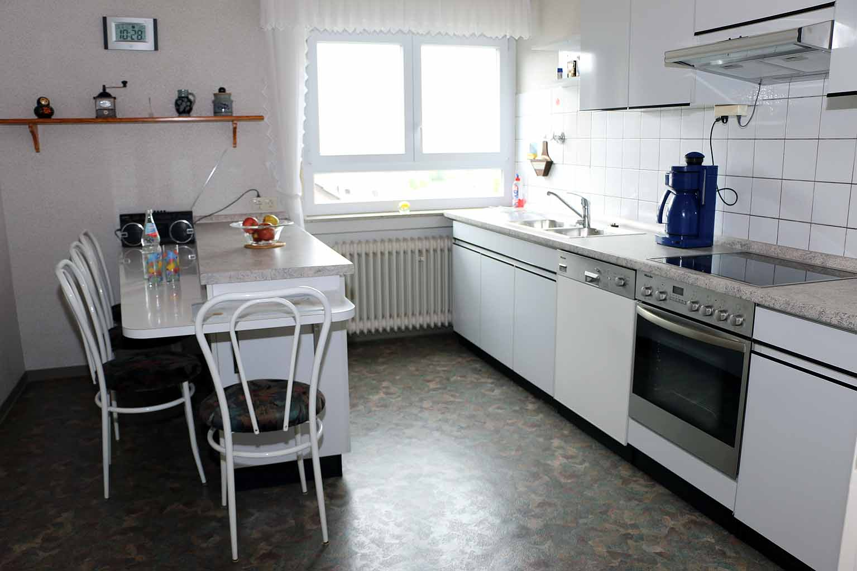 Küche der Ferienwohnung Weinbergstraße