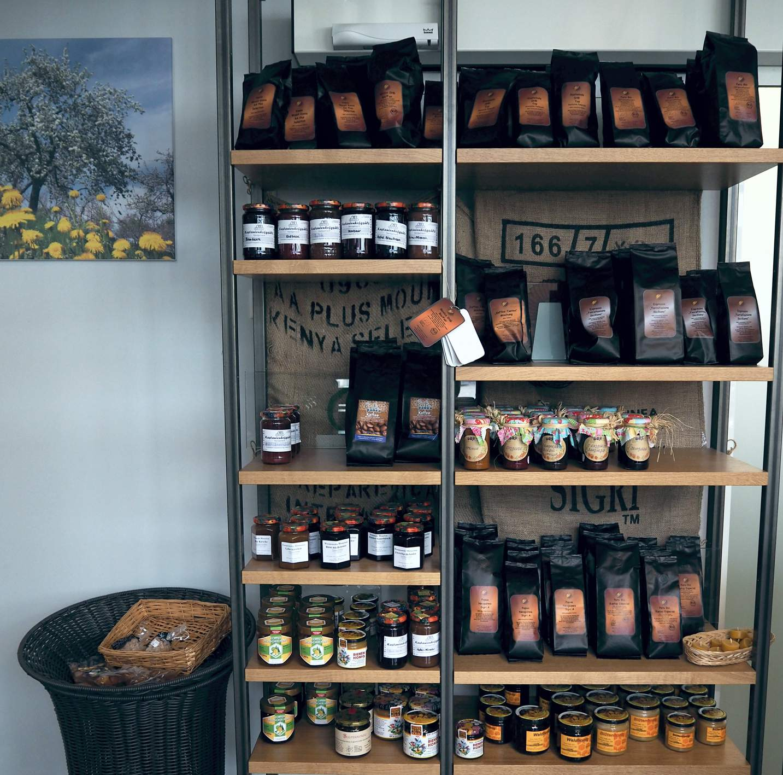 Regionale Produkte im Café Pausa