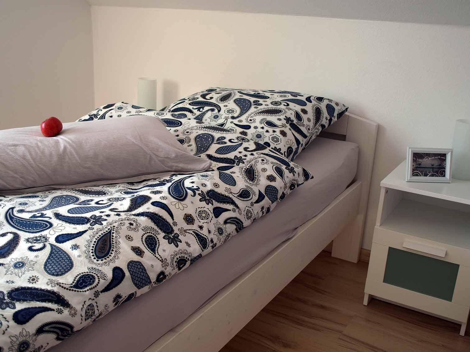 Bett in der Ferienwohnung Am Geißbächle