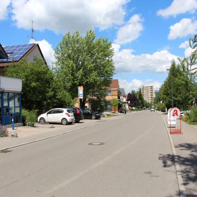 Albblickstraße in Bästenhardt mit Einkaufsmöglichkeiten