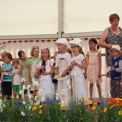 Kinder singen zum Jubiläum