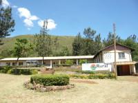 Krankenstation mit Strommasten