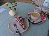 Kuchen mit Kaffee