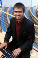 Organist Jonathan Ferber