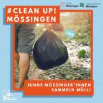 Schild Clean Up Mössingen: Ein Bild mit einer Person, die durch den Wald läuft und einen Müllsack trägt. Darunter steht junge Mössinger*innen sammeln Müll.