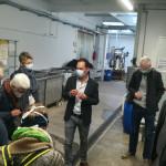 Die Gäste besichtigen die Produktionsräume