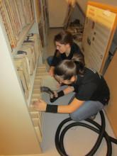 Reinigung und Restaurierung der Öschiner Archivalien
