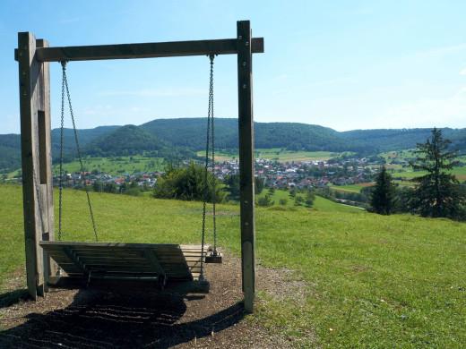 Panoramaliege mit Blick zum Talheimer Albtrauf
